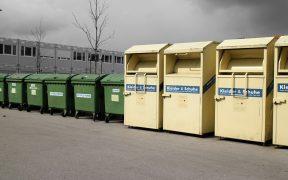 Mülltrennung - Viele Container und ein Ziel