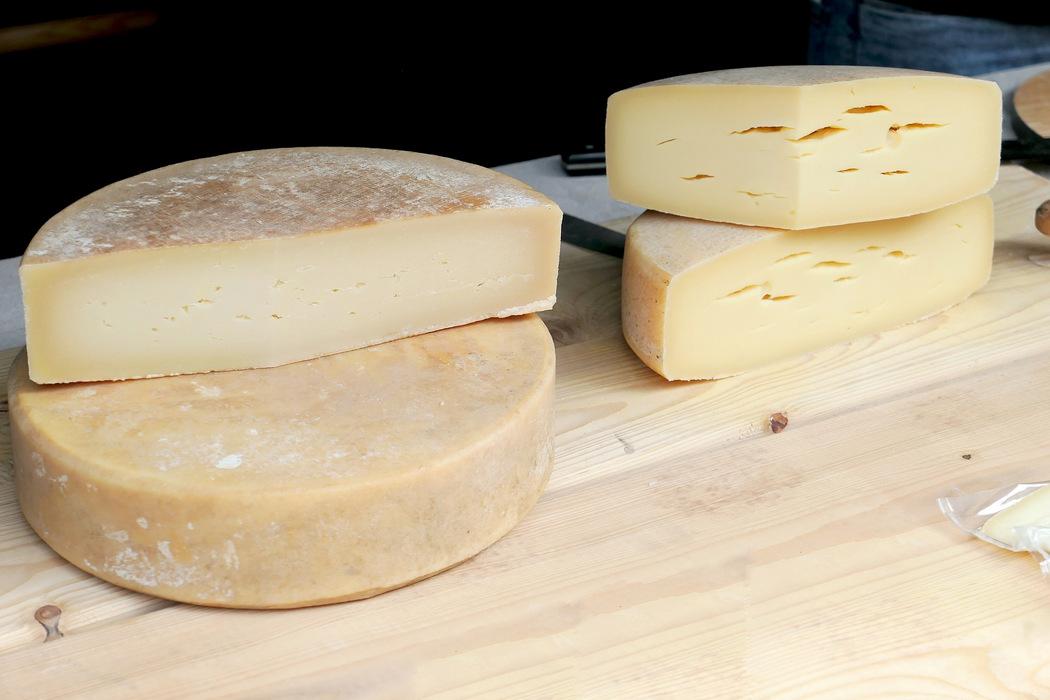 Gesunde Ernährung - Milchprodukte enthalten Kalzium und Proteine